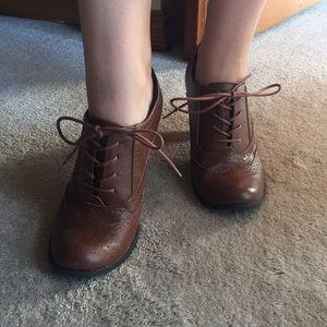Oxford style heels
